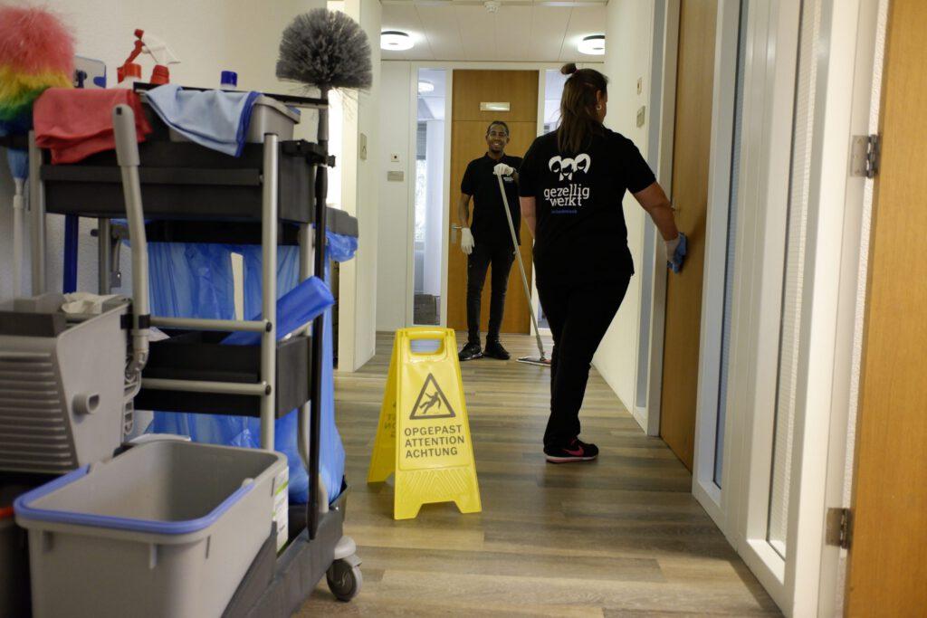 verzorgingstehuis schoonmaken